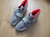 USED Nike Air Yeezy 2 Kanye shoes Men's Trainers Size UK Size 9