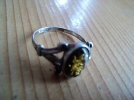 Vintage solid hallmarked silver green amber ring beautiful