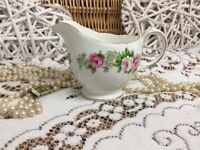 REDUCED Vintage colclough Bone China England (G 86 5) 22k Creamer jug