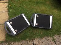 Monitor speakers