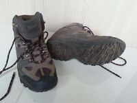 Mens / Boys Walking or Hiking Boots size 8