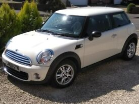 MINI 1.6 2010 STUNNING WHITE SPORTS CHILLI MANY EXTRAS HPI CLEAR ONLY 29,000 MILES LIKE NEW £6200