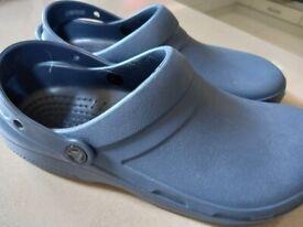 Unisex brand new crocs