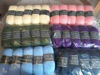 30 × 100g balls of double knit wool - 6 shades - new