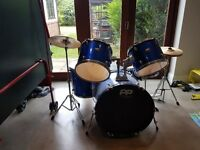 Complete 5 piece drum kit