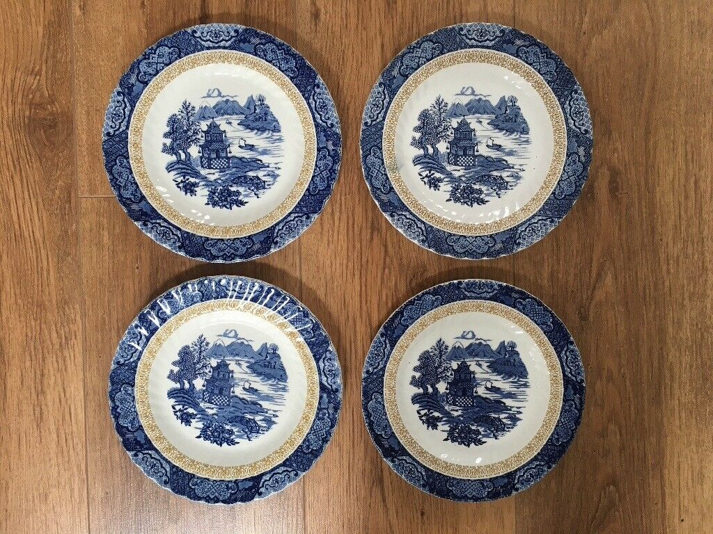 Plates - Chinese Gardens made by Royal Tudor Stoke-on-Trent England