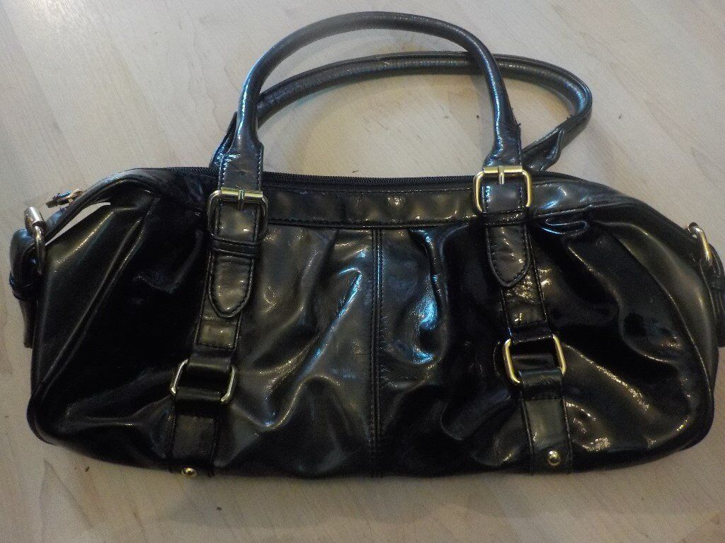 Black Shiny Ladies Hand Bag - Never Used - Collect PE27