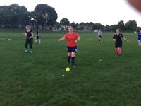 BEGINNER WOMEN'S FOOTBALL TEAM COME AND TRAIN WITH US :)