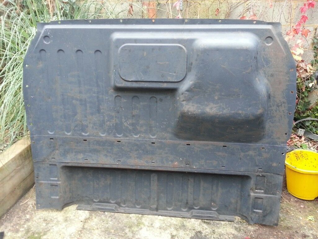 Ford Transit Bulkhead £35 o.n.o. From a 2003 mk6 SWB low roof Transit