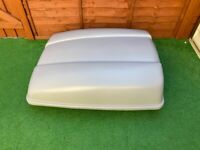 Motor World Grey Car Roof Box in good condition (roof bars, fitting kit and key)