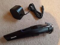 Philips BT7202 Vacuum Beard and Stubble Trimmer
