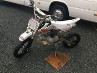 125cc superstump pit bike