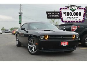 2017 Dodge Challenger SXT - 3.6L V6, Sunroof, Bluetooth, Back Up