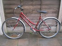 WOMENS AMMACO TOWN BIKE IN GOOD CONDITION!!