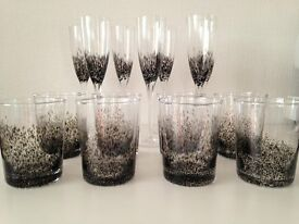 Stunning Champagne and matching Tumbler glasses (table wear) Ex.Cond, Clear and Black