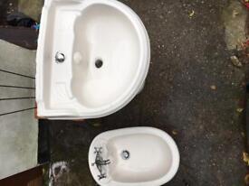 Sink and Bidet set