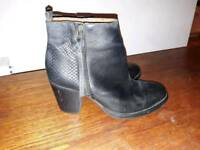 Black heeled boots, leather. Comfy, size 39 / UK6
