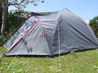 3 MAN DOME TENT & 3 MUMMY SLEEPING BAGS
