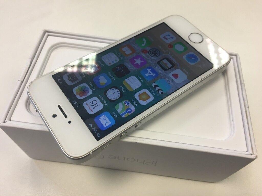 Apple Iphone Se 32gb Silver Edition Network Unlocked Only 135 Boxed Mint Condition