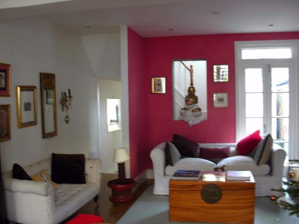 BARNES VILLAGE, LONDON SW13. LITTLE CHELSEA AREA. BEAUTIFUL, STYLISH 2 BED COTTAGE TO RENT