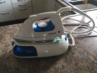 Gener 8 Steam Iron