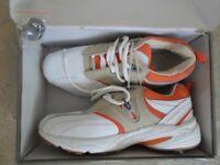 Brand New Unused Ladies Golf Shoes Size: 7.5 (EU 41)