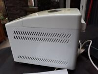 Breadmaker - with instructions.