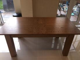 Extendable Oak Veneer Dining Table