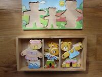 WOODEN DRESSING UP FAMILY OF 4 TEDDY BEARS JIGSAW PUZZLE
