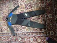 Childs Nordic Titanium wet suit size J4. Good condition.