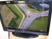 """32"""" LCD TELEVISION FOR SALE, GOOD WORKING ORDER"""