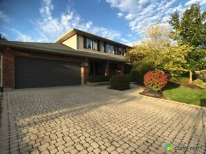 $899,000 - 2 Storey for sale in Ancaster