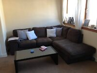 Spacious 2 bedroom Top Floor City Centre Flat (South Methven Street)