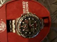 Red arrows watch