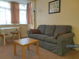 1 bedroom flat in Carlyon Road, Alperton, HA0 (1 bed) (#895163)
