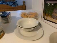Plate and bowls