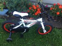 Avico Ninjatec childs bike with stabilisers 14 inch wheels for age 4-6