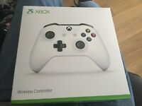 XBOX ONE 2016 with Blu Tooth & Windows 10 CONTROLLER Sealed in Box ONLY £35