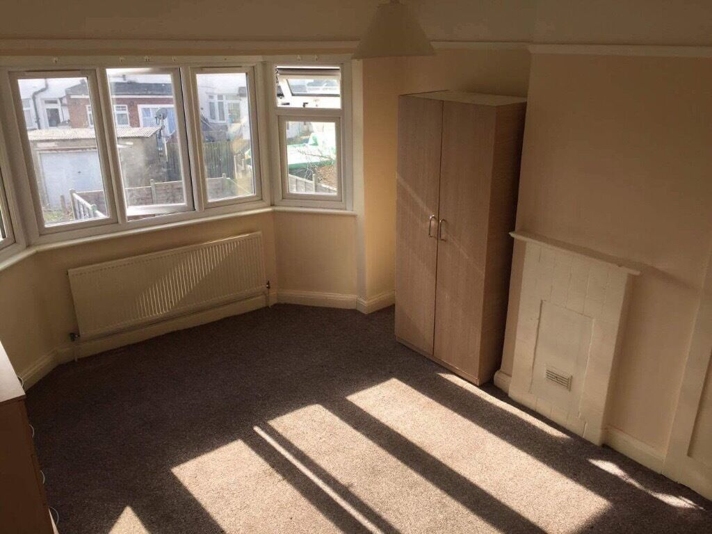 Single and double rooms in Wembley area