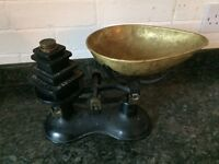 Vintage Antique Traditional Victor Kitchen Scales With Weights / Iron And Brass / Black And Brass
