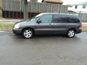 2004 ford freestar**priced to sell***