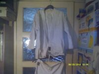 "TOKAIDO / KARATE SUIT , SIZE 0.5/125 or 1/130 ? TROUSERS 11"" to 15"" WAIST & INSIDE LEG 21"" ???"
