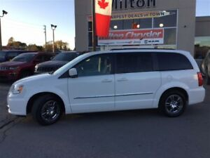 2013 Chrysler Town & Country TOURING NAVIGATION DUAL DVD SUNROOF