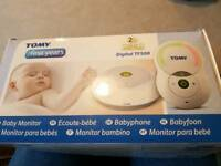 TOMY Digital TF500 baby monitor with nightlight