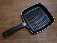 24cm Non-stick Grill Pan (fair condition)