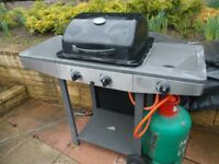 Gas BBQ with side burner