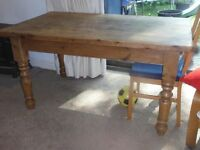 Lovely rustic country Pine Dining Room table 90cm x 152cm 78cm high. free delivery within Rutland