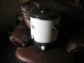 Hot water urn new never used ideal for home or business use