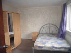 ALL BILLS INCLUDED! Very Large first floor Furnished Double Hatfield Room to rent / let / share
