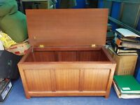Heavy mahogany end storage storage chest with brass fittings